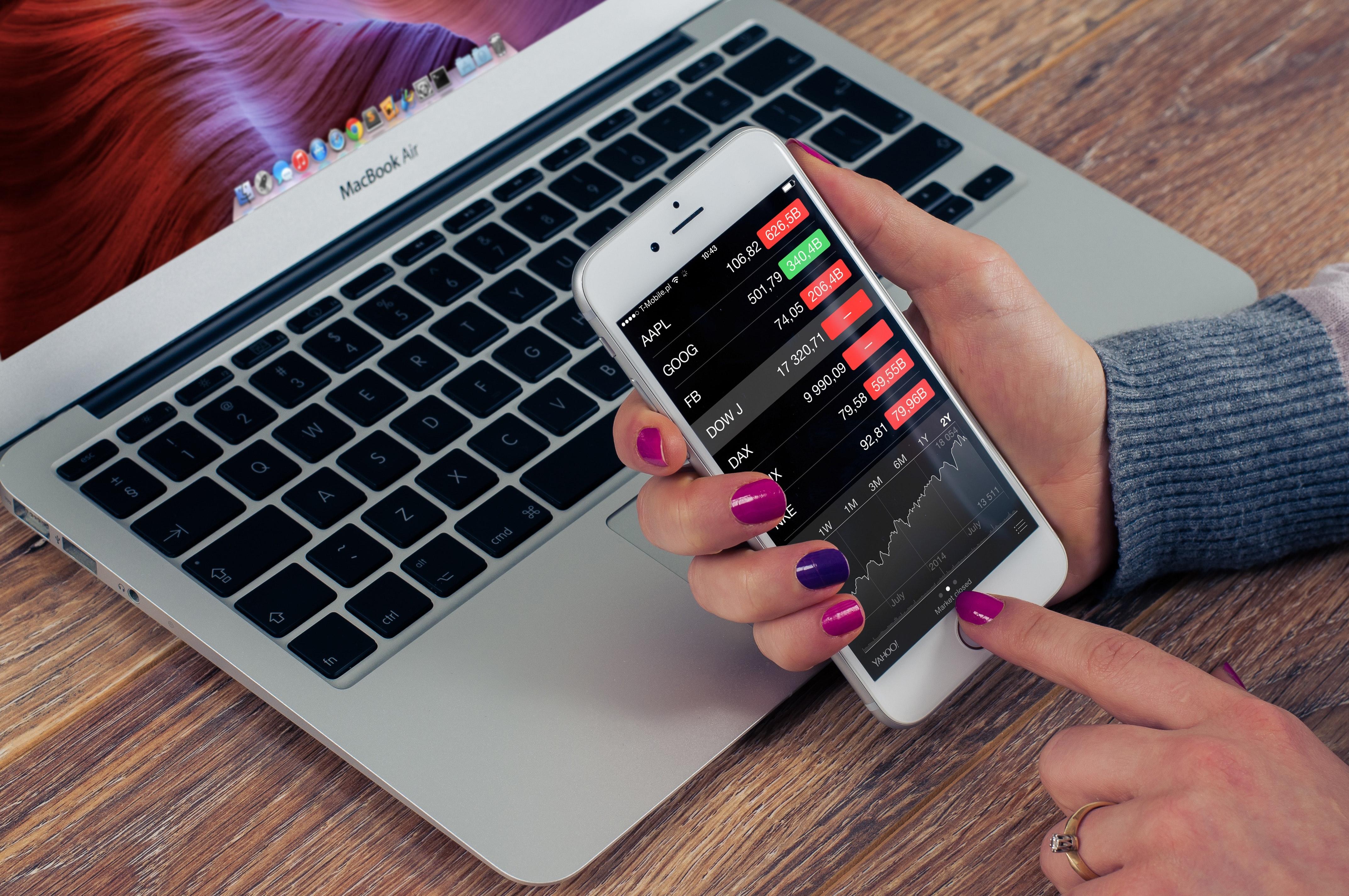5 coisas que você deve ponderar antes de contratar um assistente virtual